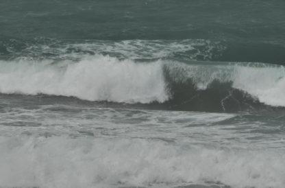 Déferlement de vagues vue de face